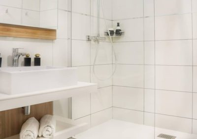 salle de bain hôtel san lucianu